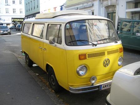 Gelber VW Bulli